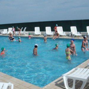 Ośrodek kolonijny w Rimini - zabawa w basenie