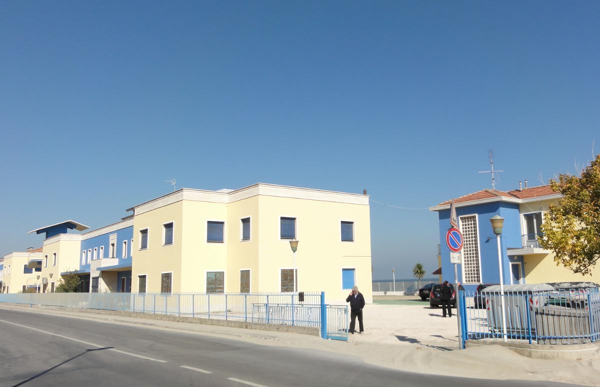 Ośrodek kolonijny w Rimini - widok od strony ulicy