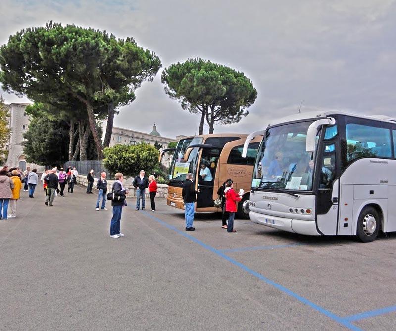Monte Cassino - autokary